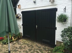 Buiten garagedeur nieuw